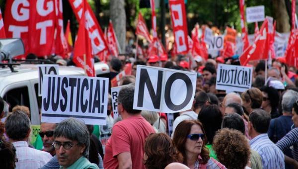 Bajo fuertes crticas Ley Mordaza cumple un año en España