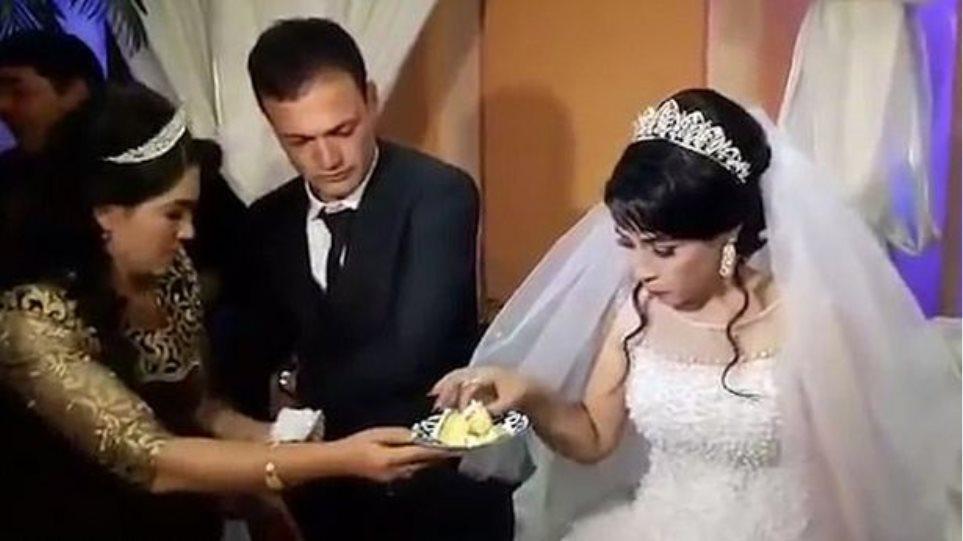 Γαμπρός χαστουκίζει άγρια νύφη επειδή... αστειεύτηκε με την τούρτα