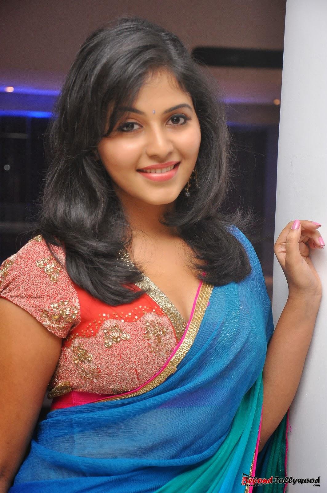Spicyimg: Actress Anjali Hot Pics Collections