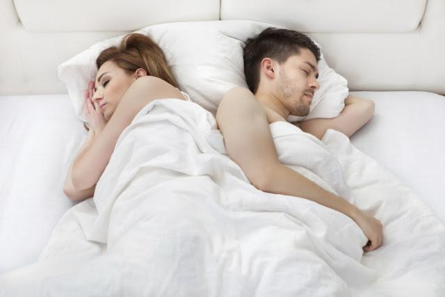 Пояснили як сон зміцнює подружні стосунки