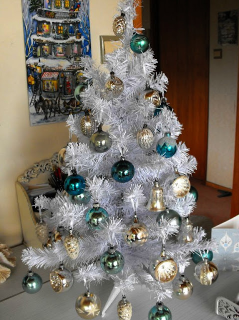 teal blue and white vintage Christmas tree