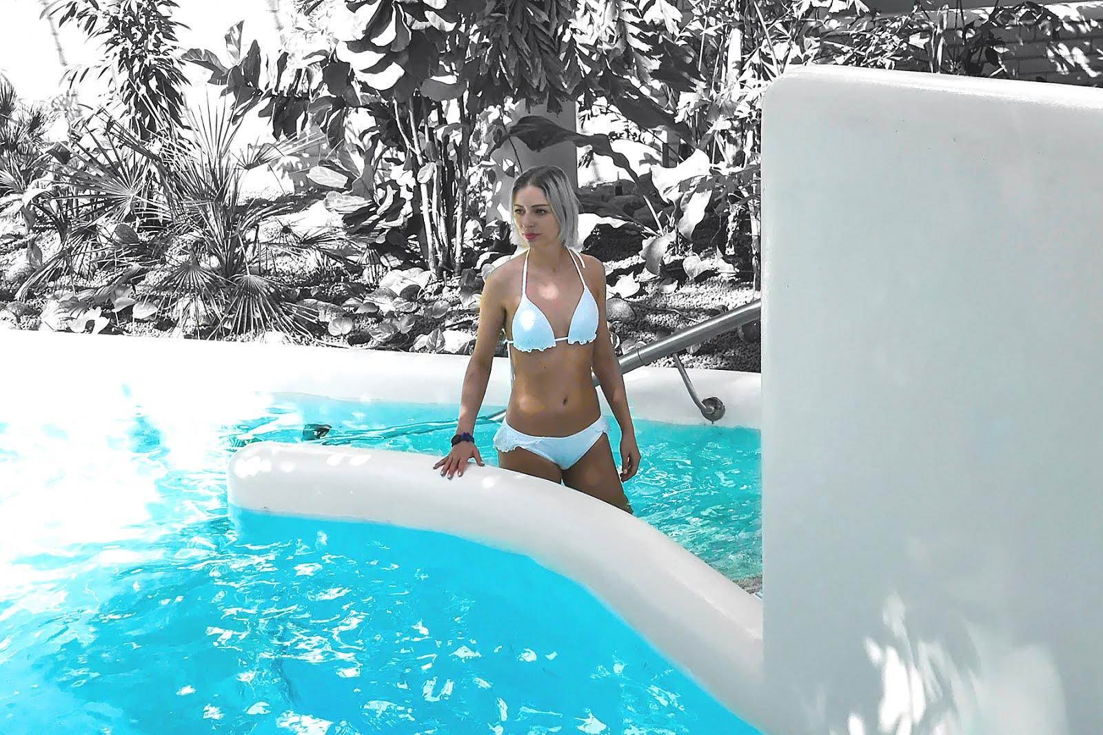 Thermae 2000, gezond en relax kuur, wellness, valkenburg, aquafitness, aquafloating, calzedonia bikini, white