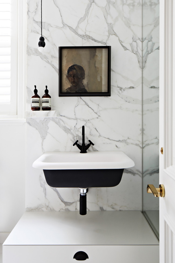 Black fixtures in the bathroom | Vintage reimagined by Hecker Guthrie, photo by Armelle Habib via Vogue Living.