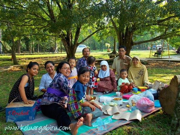 Refreshing di Kebun Raya Purwodadi
