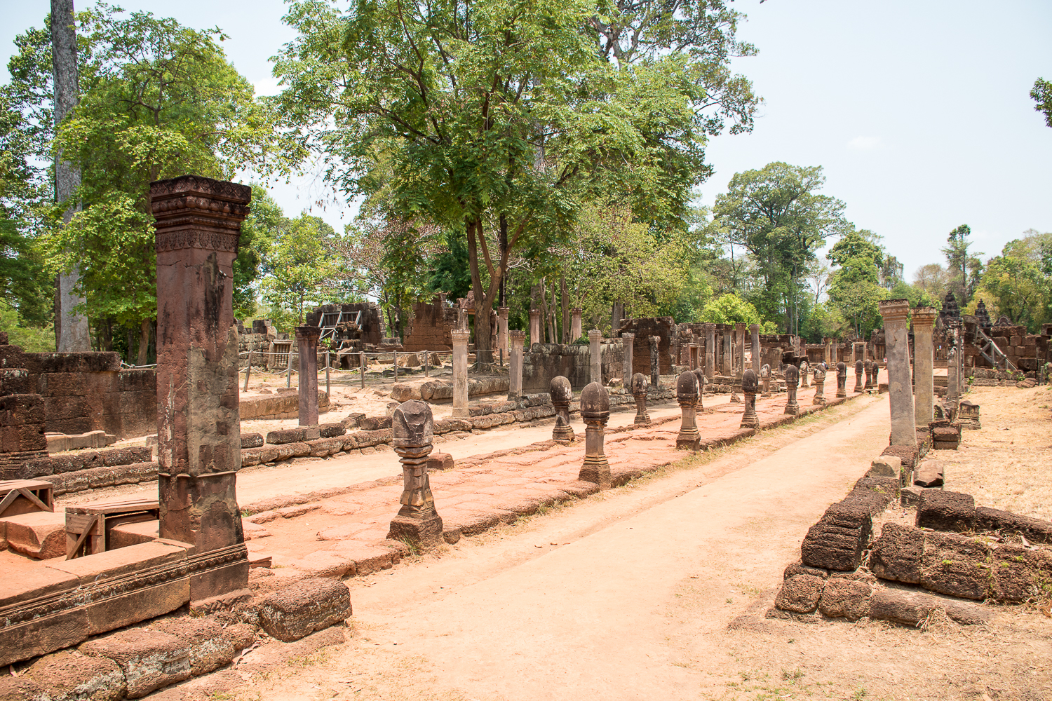 smaller banteay sri temple lady temple in siem reap cambodia