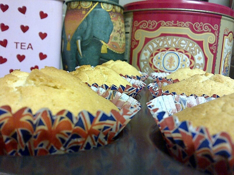 Fairy Cake Recipe Uk Plain Flour: The Moving Foodie Blog: Recipe: Champagne Cupcakes