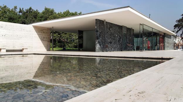ミース・ファンデル・ローエのな少ないけれど豊かな建築【arc】バルセロナ・パビリオン