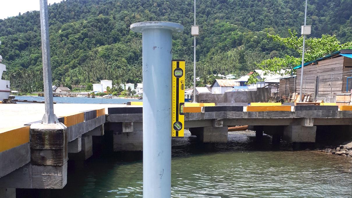 Instalasi Pemantauan di Pelabuhan Babang, Maluku Utara