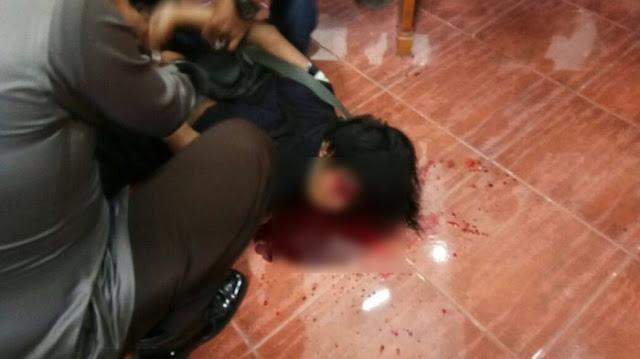 Pelaku kekerasan di Gererja St Lidwina Yogyakarta tertembak di bagian perut, Minggu (11/2/2018) (Istimewa)