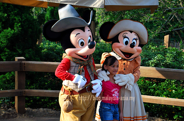 Review of Hong Kong Disneyland