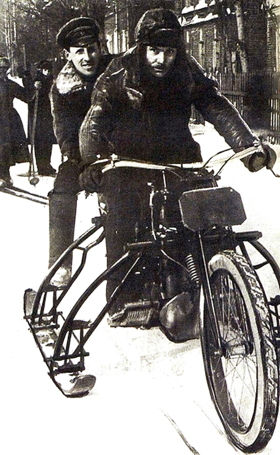 25 Vintage Photos of Motorcycles in the Russian Empire
