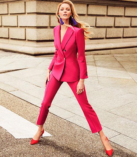 traje rosa pantalón chaqueta mujer El Corte Inglés anuncio
