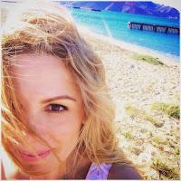 Ιωάννα από το Ioanna's notebook , συντάκτρια του edityourlifemag.gr