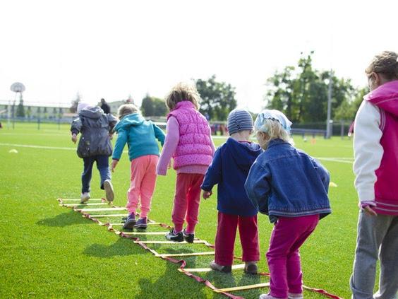4 Tips Agar Tetap Happy Saat Berwisata Bersama Anak