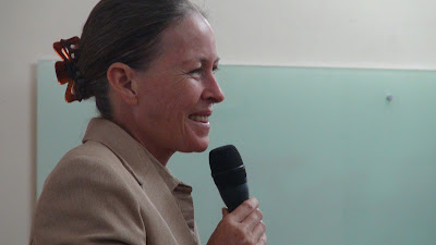 Hình ảnh chuyên gia Trish Summerfield HÌNH ẢNH WORKSHOP NUÔI DƯỠNG LÒNG HÀO PHÓNG