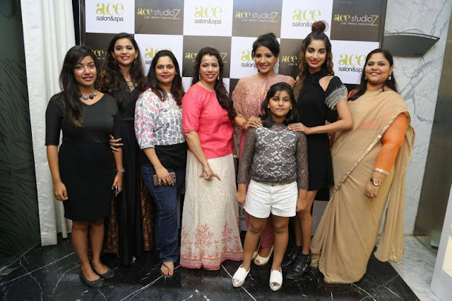 Sakshi Agarwal Inaugurates Ace Studioz Salon & Spa Event Stills