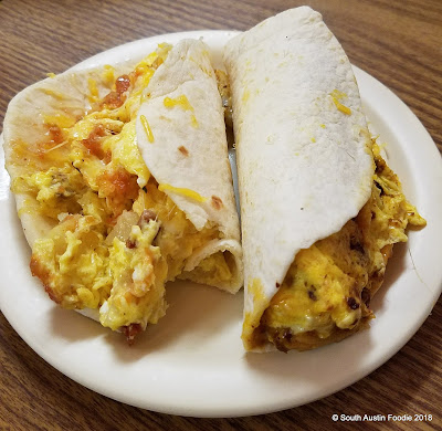 La Mexicana breakfast tacos