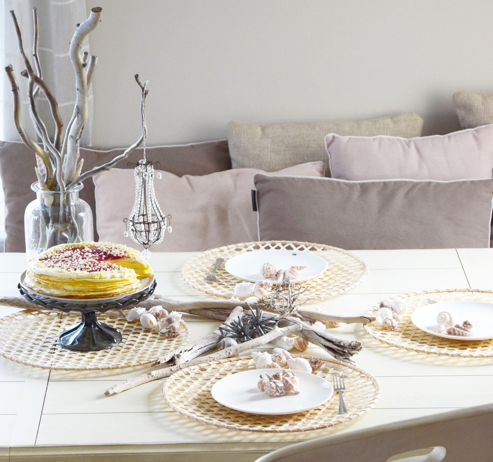 Tischdeko mit Monsieur Dupin: Strand, Muscheln und Crepestorte. Bretonische Kochbuch