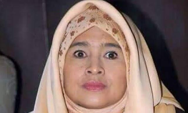 Ketika RATU KAMPRET Mengancam Tuhan Untuk Memenangkan Prabowo