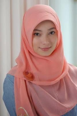 Trend Hijab Terbaru Paling Hits Segi Empat