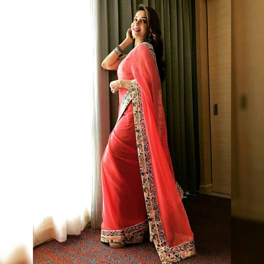 bollywood actress hot photos in saree hd wallpapers