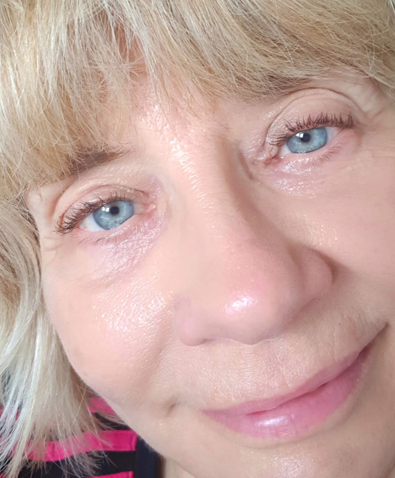 Over 45s blogger Gail Hanlon in a close-up to show her lashes after application of Fairydrops Scandal Queen waterproof mascara