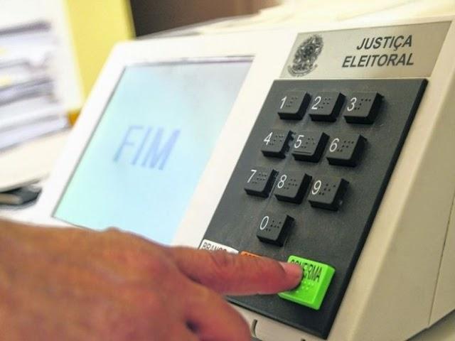 Pré-candidatos não poderão apresentar programas de rádio e TV