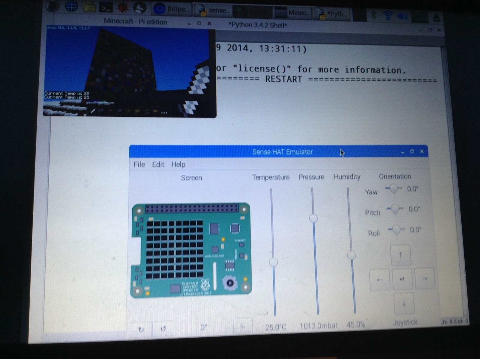 Jammy Blog March 2017 Learn Python And Electronics With Minecraft Pi Edition Sense Hat Emulator Temperature Controlled Random Coloured Wall 25 X Blocks