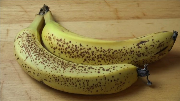 Which banana would you like to eat? Your answer can affect your health