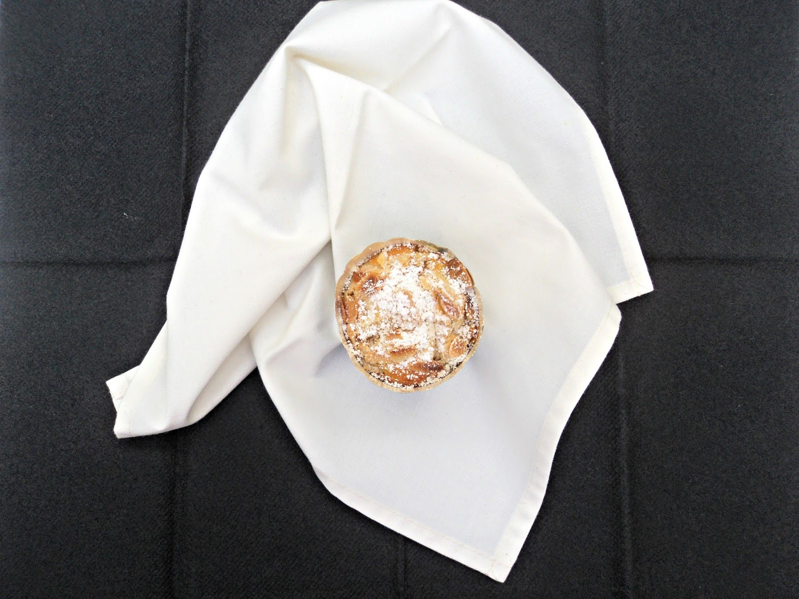 magdalenas-vainilla-almendras-copete