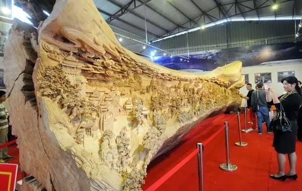 самая большая скульптура из цельного дерева из Книги рекордов Гиннесса