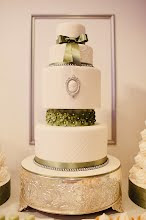 White & Pistachio Wedding