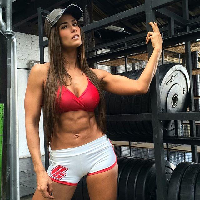 Instagram Fitness Models Tatiana USSA GIRARDI