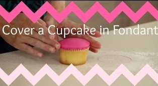 Covering a Cupcake in Fondant – CAKE STYLE