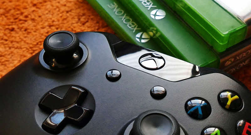 Compatibility with modern game consoles, as is the case with the Xbox One and Windows 10