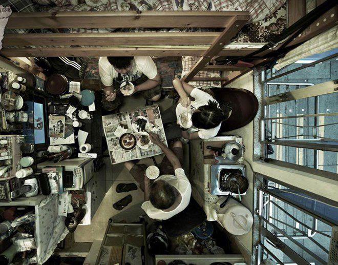 Nhiều người dân tại Hong Kong phải sống trong những căn phòng chật chội. (Nguồn: telegraph.co.uk)