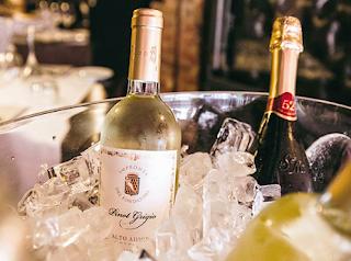 Logo Concorso ''Exploring Taste'' vinci gratis forniture Vini Santa Margherita e soggiorni