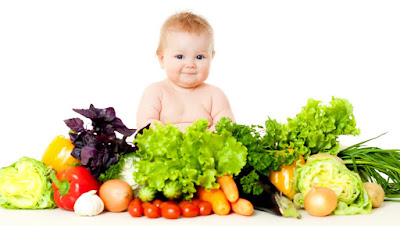 منها الكيوي والطماطم.. 10 أطعمة لتقوية مناعة طفلك