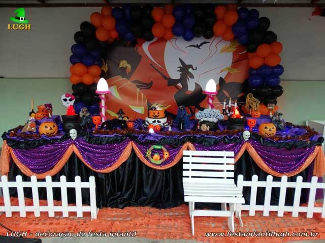 Aniversário de adolescentes - Decoração mesa tradicional de tecido versão luxo tema Halloween ou Dia das Bruxas