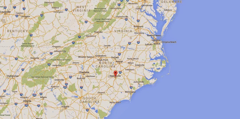Fayetteville, Carolina de Nord, imagine de pe Google Maps, toate drepturile rezervate