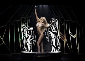 Bruno Lizidatti ensina a coreografia de Applause em vídeo tutorial e revela foto misteriosa