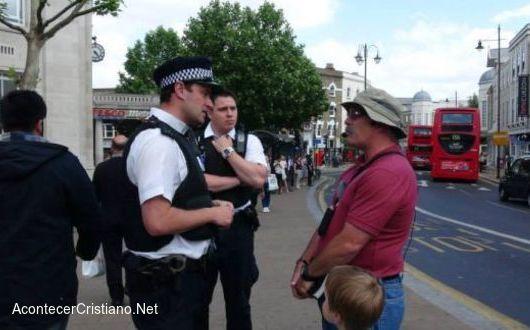 Arrestan a predicador evangélico en Londres