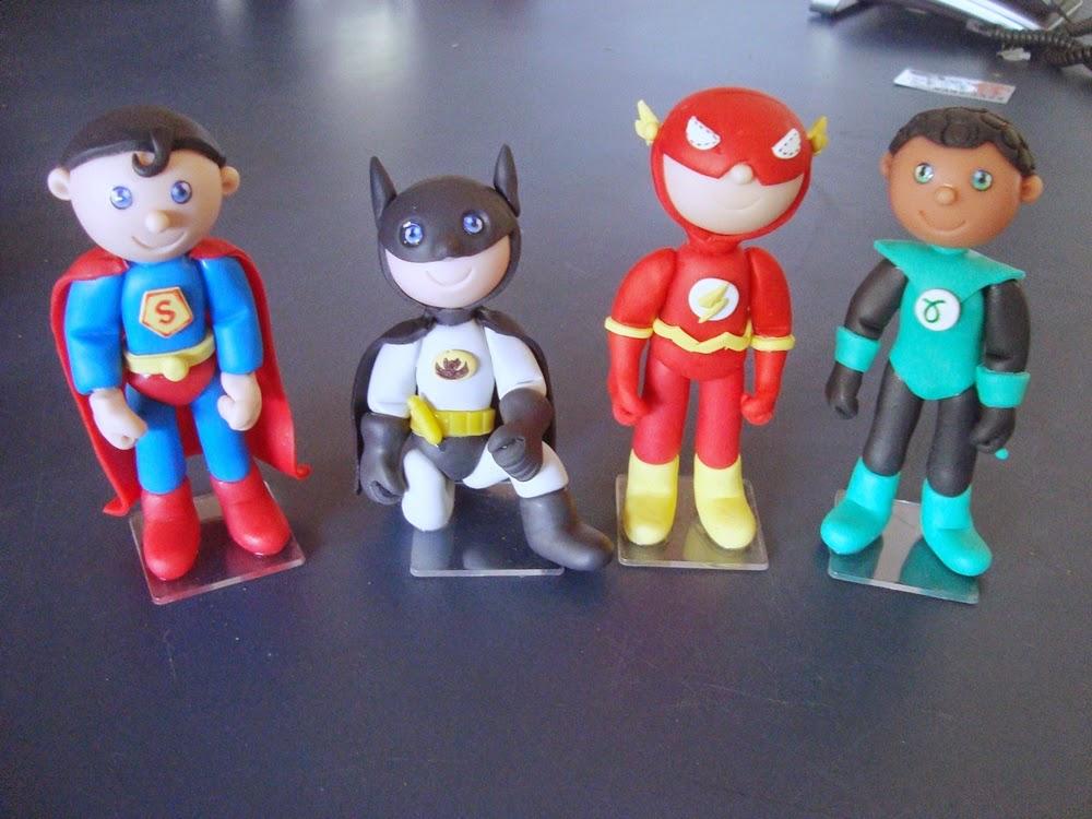 super heroi topo de bolo