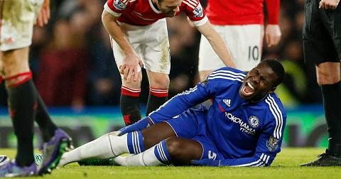 Huấn luyện viên Conte vẫn chưa yên tâm để Zouma ra sân sau chấn thương