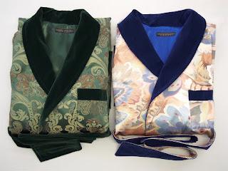 Gefütterter langer warmer Herren Hausmantel englisch Seide Baumwolle Paisley Grün Dunkelblau Gold edel Luxus Morgenmantel Dressing Gown für Männer