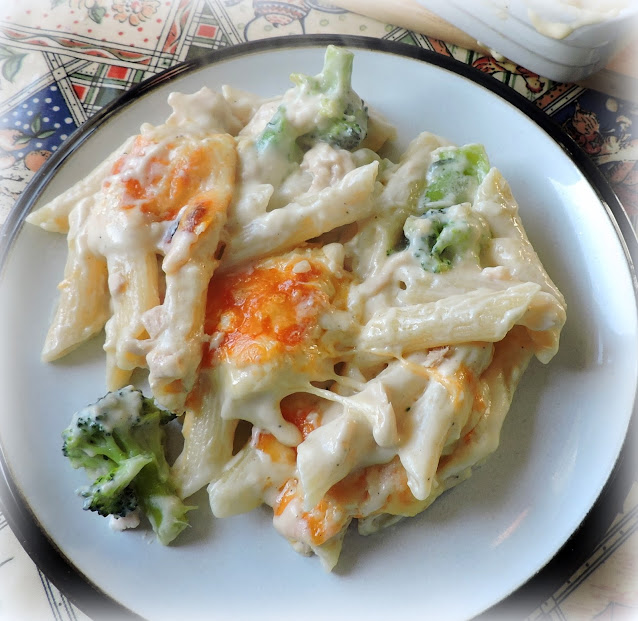 Cheesy Rigatoni with Tuna & Broccoli
