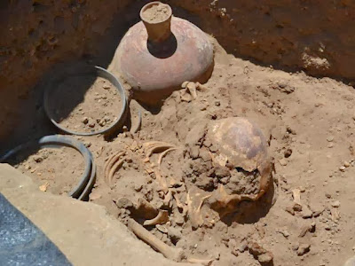 Archaeologists find Chimú tomb in Lambayeque