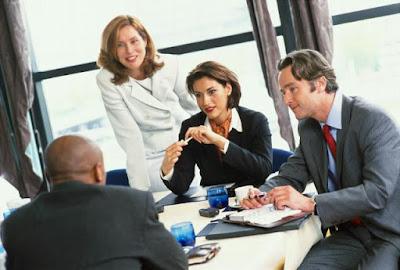 Советы о том как можно стать изгоем в коллективе