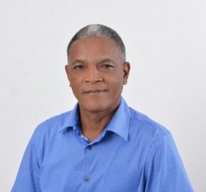 Reconocido dirigente del PRM José López aspira por la zona E