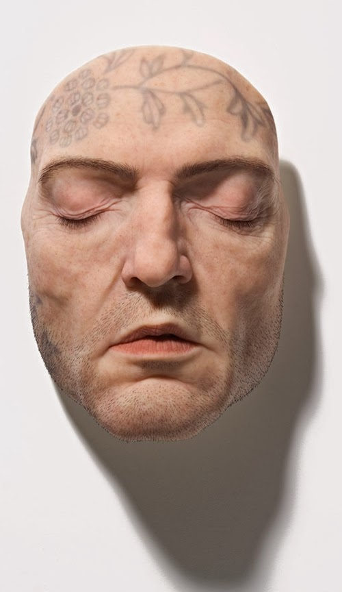 09-Sam-Jinks-Photo-realistic-Sculptured-People-www-designstack-co